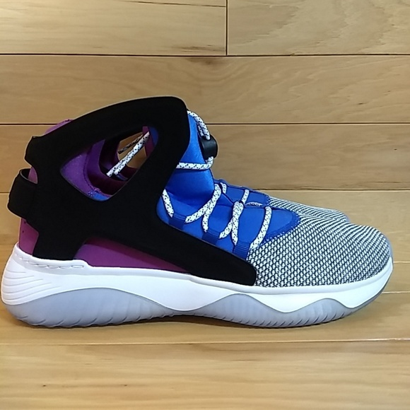 first rate 5b489 8ac40 Nike Air Flight Huarache Ultra Basketball Shoe